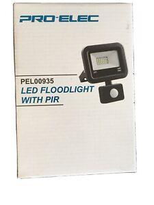 Pro Elec Led Outdoor Floodlight Black With Pir 10watt 750lm IP 44 PEL00935 New..