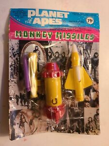 VINTAGE 1974 PLANET OF THE APES MONKEY MISSILES SEALED NOT PUNCHED