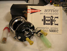 NICE Abu Ambassadeur Black 3-Screw Vintage 5000C In Case Reel