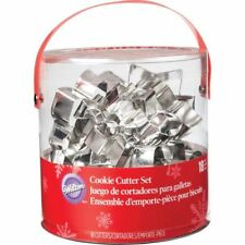 Wilton CHRISTMAS HOLIDAY COOKIE CUTTERS 18-Piece Assortment