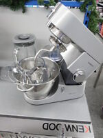 Kenwood Titanium Chef KMC 050, KMC050 Küchenmaschine Mega-Pack, ansehen!!!