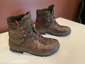 Meindl German Hiking Boots (by Cabela's) Men's size 10. Gore Tex lined.