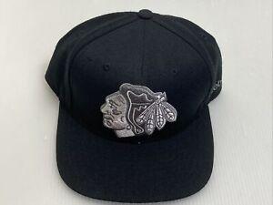 Reebok Face Off Headwear Chicago Blackhawks Snapback Hat Platinum Logo Black