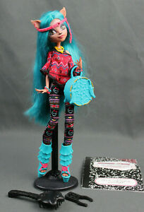 Monster High Isi DawnDancer Brand Boo Student Doll Near Complete