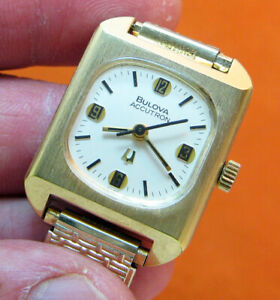 SERVICED VINTAGE 2301 ACCUTRON GOLD ELECTROPLATE TUNING FORK LADY WATCH N4