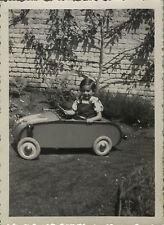 PHOTO ANCIENNE - VINTAGE SNAPSHOT - ENFANT VOITURE À PÉDALES - CAR TOY 1937 2