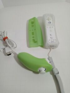 Official Nintendo Wii Motion Plus Remote Controller Green w/Nunchuck Tested