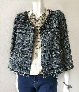 Authentic Chanel Runway 2011 Tweed Jacket Black White Blazer Feather details