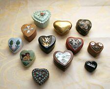 collection de boites à bijoux en forme de coeur toutes matières
