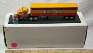 Honey Brown Lager Matchbox Convoy CCY05-5 Mack Brewmasters Semi Truck Rare