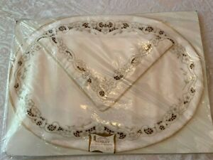 Elegant Richelieu Madeira Embroidered 4 Oval Placemat 4 Napkin Set original pkg