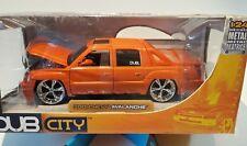 01 Chevy Avalanche DUB Custom 1/24 - Orange **NEW**