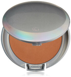 COVERGIRL - Advanced Radiance Pressed Powder Classic Beige - 0.39 oz. (11 g)