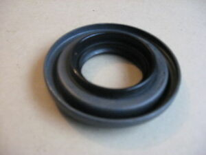 Daimler V8 2.5 & 250 Saloons Rear Axle Pinion oil Seal, New Type