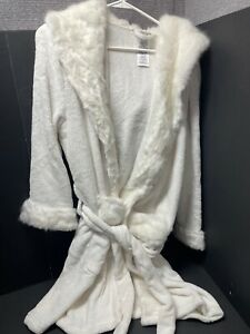Pottery Barn Teen ICE IVORY Faux Fur Hooded ROBE BED BATH Mother Day Gift NEW