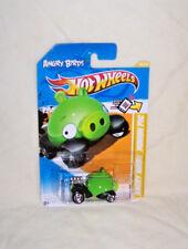 Hot Wheels 2012 NEW MODELS Angry Birds Minion Pig #35 V5323
