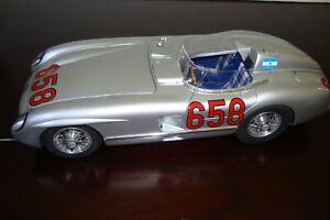 1:18 CMC JUAN MANUEL FANGIO 2ND MILLE MIGLIA 1955 MERCEDES-BENZ 300 SLR M117