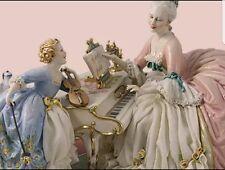 Porcellana di Capodimonte, Ascoltando la Mamma al pianoforte.