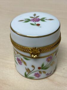 Vintage Limoges France Porcelain Decoree La Main Trinket Box Gold Flowers Paris