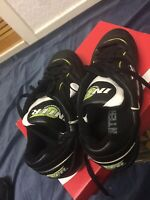 """INTER PERFORMANCE LACE UP FOOTBALL BOOT MAN MADE UPPER LINING &SOLE SIZE U.K 6"""""""