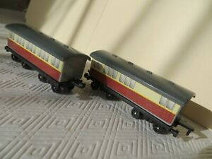 ERTL Vintage Thomas The Tank Engine & Friends two Express Coaches 1995 plastic