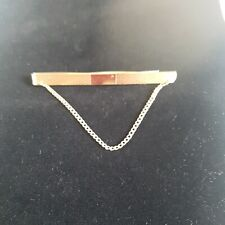 MANS TIE CLIP VINTAGE 9ct GOLD FRONT AND BACK WITH SAFETY CHAIN. HG & S. 7.78g.