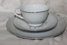 Sone China 7050 Trios Plaques Thé Tasses & Soucoupes.
