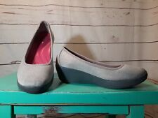 Crocs Dual Comfort Gray Fabric Wedge Slip On Pumps Shoes Womens Size 7 M