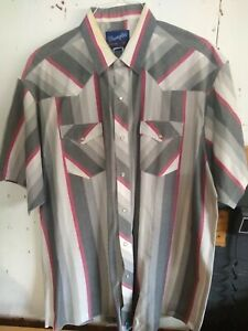 Wrangler Western Short Sleeve Snap Down Shirt Pattern Men's Size 19 XL Tails