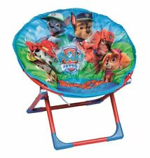 Tavolini e sedie blu per bambini