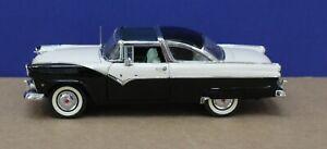 Danbury Mint 1:24 1956 Ford Crown Victoria White/ Black Exc (Not Boxed)