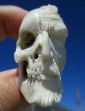 Skurriles Portrat - Schädel - Januskopf skull aus Horn geschnitzt - Wunderkammer