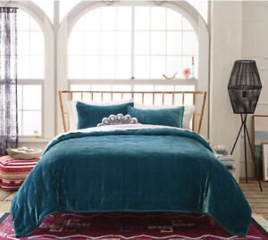 Target Opalhouse Velvet TEAL KING Tufted Quilt Coverlet Nwot