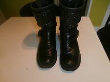 ASH très belles bottines en cuir clouté noir pointure 37