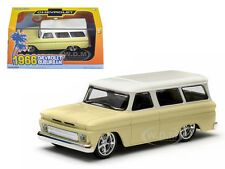 1966 CHEVROLET SUBURBAN YELLOW IN PLASTIC CASE 1/43 MODEL CAR GREENLIGHT 86058