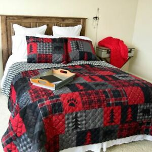 DONNA SHARP COUNTRY FARMHOUSE BLACK/GREY/RED REVERSIBLE RED FOREST QUILT SET