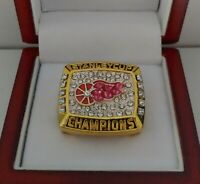Steve Yzerman - 1998 Detroit Red Wings Stanley Cup Hockey Ring WITH Wooden Box