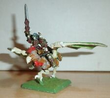 WARHAMMER SIGMAR HORDE OF CHAOS  KNIGHT ON COCKATRICE MOUNT  ROUGE TRADER  METAL