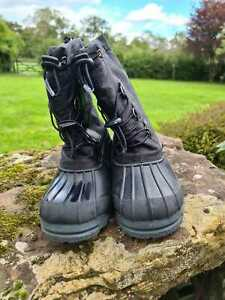 Adult unisex apres ski winter boots. Manbi. TRACKS. Eur 43-44. Black.