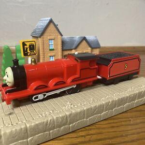 TOMY Trackmaster Thomas & Friends James 2002 WORKING Motorized Train Tank Engine