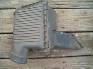 2000 Dodge Stratus OEM 4573626 AIR CLEANER. AIR FILTER AND HOUSING ASSEMBLY