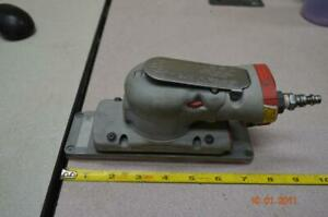 """3M 28527 10,000opm 7 1/2"""" BY 2 1/2""""  RECTANGLE ORBITAL VARIABLE SPEED SANDER"""