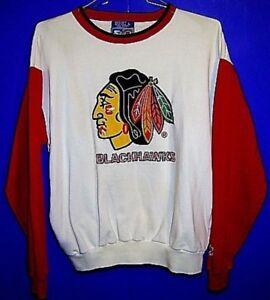 CHICAGO BLACKHAWKS  NHL Hockey Cap and Size Large SWEATSHIRT
