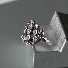 Sterling silver Flower Ring (Size: 7,US - O,UK) by Lepos Jewellery