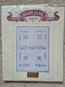 Mary Jane Collection Embroidery 'Pistachio Nut'