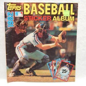 1982 TOPPS BASEBALL STICKER YEARBOOK MLB WITH 11 STICKERS INSIDE