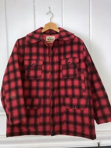 Woolrich Men 523 Plaid Wool Hunting Coat Jacket SIZE 46 Vintage L / XL Very Good