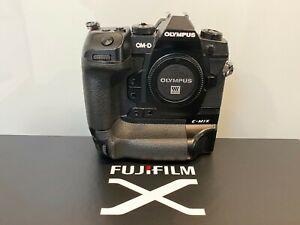 Olympus OM-D E-M1X Kamerabody, 21,8 Megapixel, Profi-Systemkamera, Top Zustand