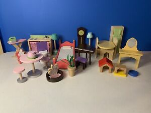 Dollhouse Furniture Accessories Lot Of 27 Pieces Kid Craft Hape Bed Tables