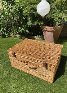 Large Wicker Picnic Hamper With Leather Straps. Good Condition